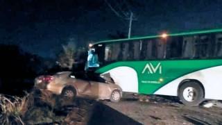 Muere conductor al chocar con autobús de pasajeros en Tlaltizapán 2