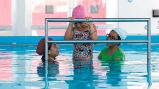 Brinda DIF hidroterapia en el CREE a discapacitados 2
