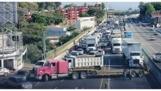 Colapsan camioneros principales accesos a Cuernavaca 2