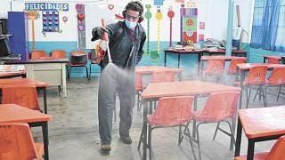 Desinfectan aulas en Primaria Ignacio Maya de Cuautla 2