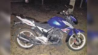 Derrapa y 'vuela' de su moto en Jonacatepec 2