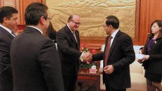 Visita. Los gobernadores de Tamaulipas y Tlaxcala con el mandatario de Morelos, Graco Ramírez, y el vicepresidente de China.