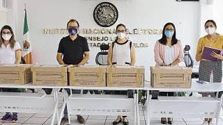 Entrega INE 1,500 exámenes para seleccionar supervisores 2