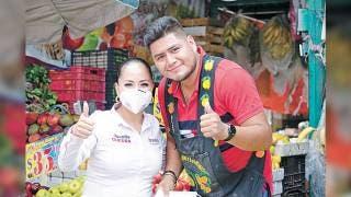Promete Juanita Guerra apoyo a comercio local 2