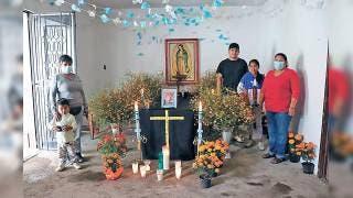 Preparan ofrendas en Ocotepec