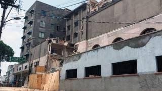 Abandonan retiro de escombro en la Latino por falta de pago