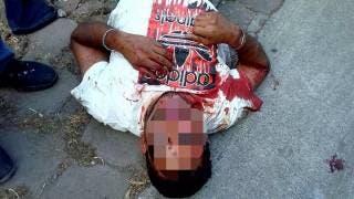 Vecinos de Acapantzingo detienen a presunto ladrón y lo golpean