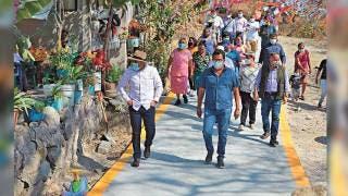 Inaugura Yautepec obras de vialidad 2