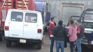 Se quita la vida joven en estacionamiento frente al ALM de Cuernavaca 2