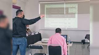 Asigna IEBEM plazas a 82 docentes, 11 son definitivas 2