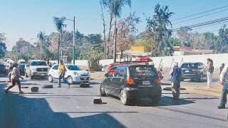 Con bloqueos piden agua vecinos de Tlatepexco, Cuernavaca 2