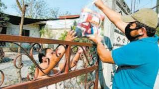 Reparten despensas en colonias de Ayala 2