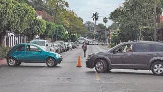 Cierran vecinos avenida Morelos por falta de agua 2