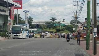 Bloqueo colapsa el sur de Cuernavaca; sin paso en entradas y salidas 2