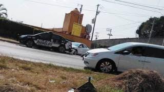 Se impacta motociclista contra un coche en Jiutepec 2