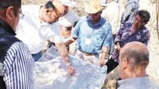 Tras 20 años, desazolvan canal de Xoxocotla 2