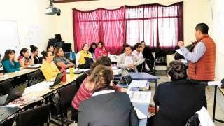 Capacitan a profesores para implementar Modelo Educativo