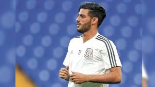 Fija Carlos Vela postura con el tricolor 2