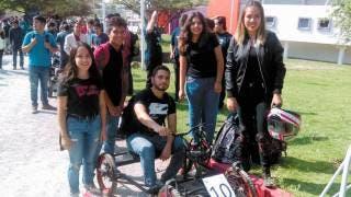 Estudiantes de ingeniería mecánica arman su auto y compiten en UAEM
