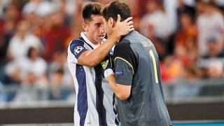 Casillas ve a Herrera a la par de Riquelme 2