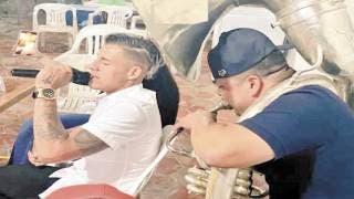 En Chivas apoyan al 'Chicote' 2
