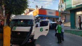 Ocho heridos tras choque de una Ruta 6 contra muro en Cuernavaca 2