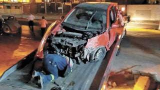 Fotonota: Dos heridos en choque entre autos 2