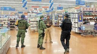 Resguardan elementos de seguridad negocios para evitar disturbios y robos en plena contingencia 2