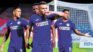 ¡Maquinaria pesada! - Cruz Azul le pega a los Pumas 2