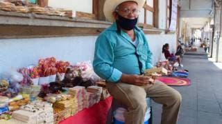 Se endulza la vida don José en el Día del Abuelo en Morelos 2