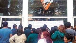 Inminente. Pese a que los trabajadores sindicalizados esperaban a que ayer cayera el depósito de su aguinaldo y catorcena, los recursos no llegaron y por eso hoy estallará la huelga a las 12:00 horas en las diversas sedes de la UAEM.