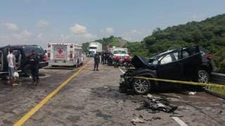 Mortal choque en la autopista Siglo XXI: hay 3 decesos, así como 3 lesionados 2