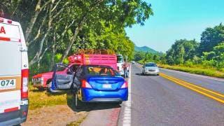 Choca auto en la autopista La Pera-Cuautla, a la altura de Tepoztlán 2