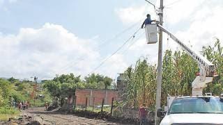 Cumple Antonio Villalobos y lleva luz para La Isla, en Cuernavaca 2