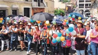 Marchan contra desaparición de estancias infantiles 2