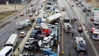 Seis muertos, 65 heridos y 130 autos involucrados en megacarambola 2