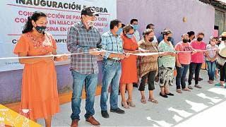 Apuestan por mejores vialidades en Miacatlán 2