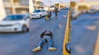 Derrapa en moto en Morelos 2