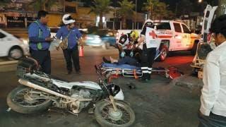 Se impacta motociclista contra auto en Jiutepec 2