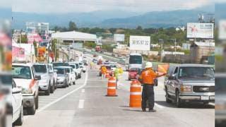Conducir y usar celular al mismo tiempo ha sido causa de varios accidentes en Paso Express Cuernavaca 2