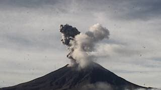 Registra el Popocatépetl 2 explosiones este día 2