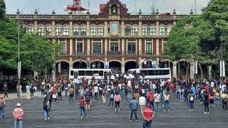 Rompen vallas y barreras para ingresar rutas a Plaza de Armas de Cuernavaca 2