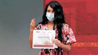 Dan reconocimiento a Doctora Del IMSS en Morelos 2