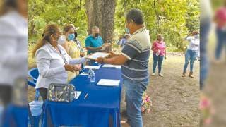 Certifica Sedagro Morelos a productores de pez de ornato 2