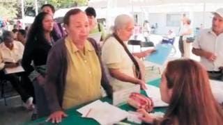 Pensión. Cada dos meses, 110 mil personas mayores de 65 años reciben recursos del programa social