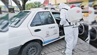 Desinfectan taxis en Jiutepec contra COVID-19 2