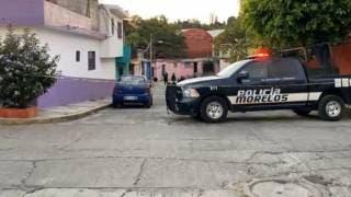 Recibe 2 disparos en el pecho un taxista en Cuernavaca 2