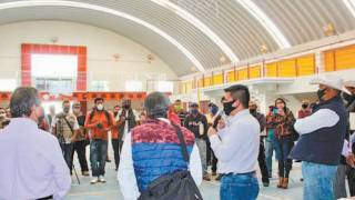 Da alcaldesa de Temixco mascarillas a comerciantes para prevenir contra el COVID-19 2