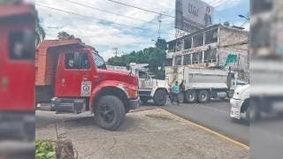 Con bloqueos, transportistas exigen seguridad en Morelos 2