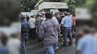 Desquician transportistas Cuernavaca para pedir créditos 2